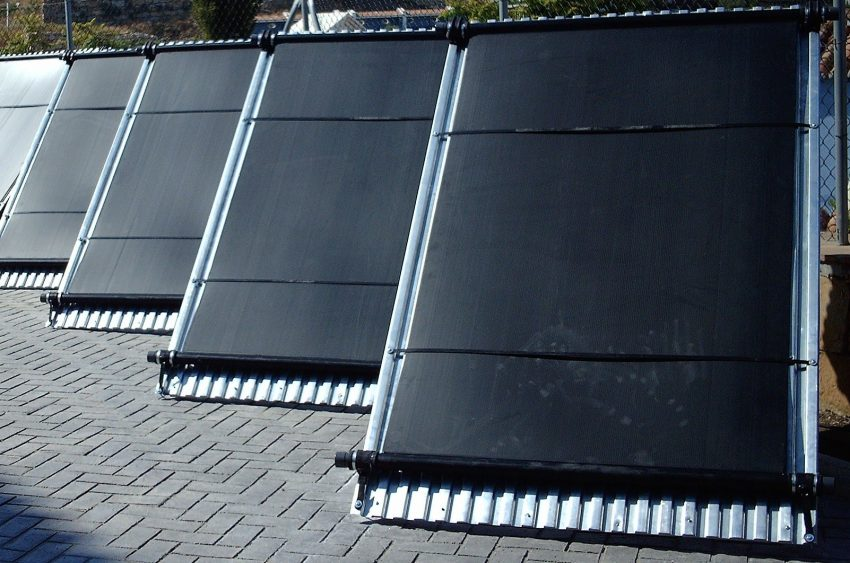 Colector solar de polipropileno para calentar el agua de la piscina