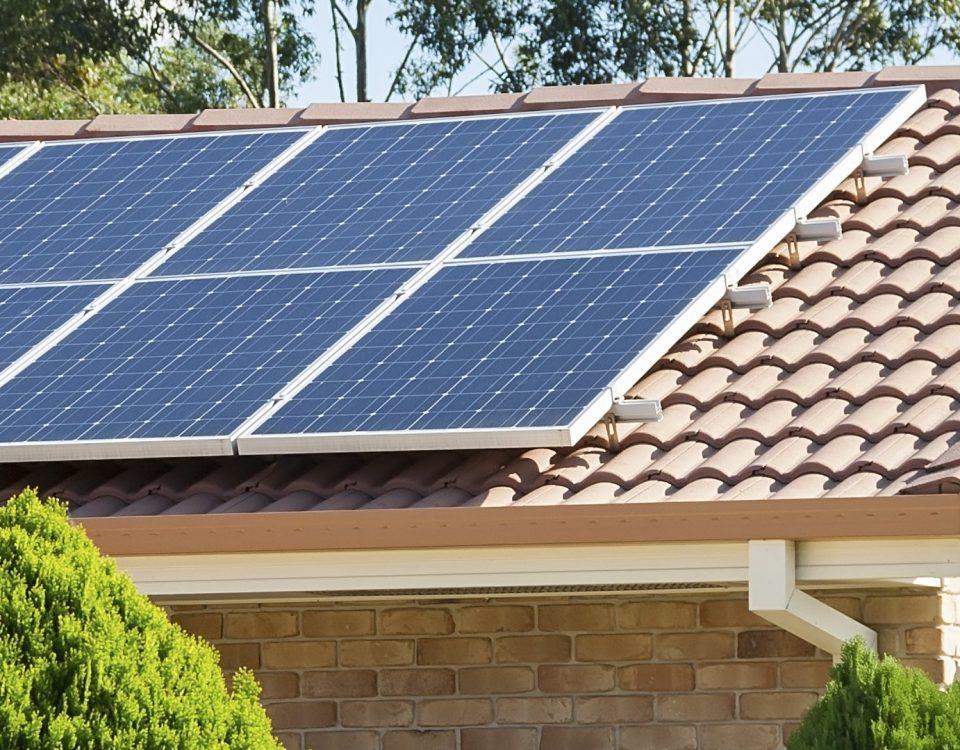 ¿Cómo funciona un kit solar fotovoltaico de autoconsumo?