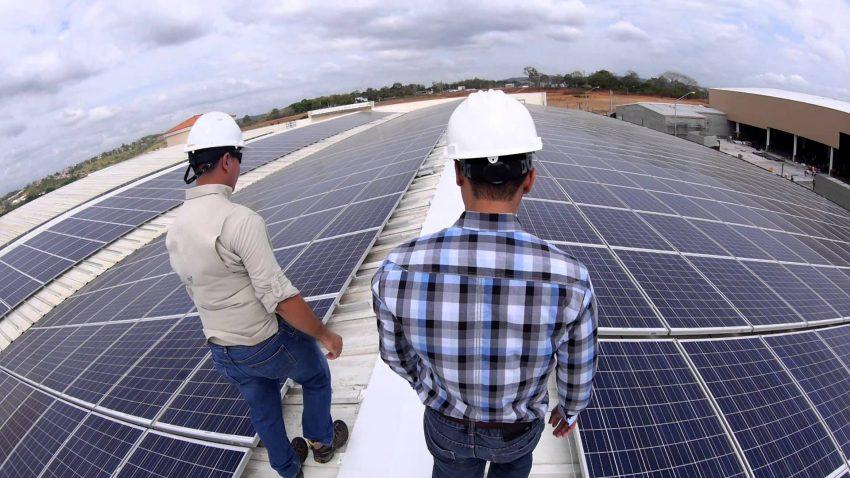 ¿Qué potencia puede producir un panel solar?