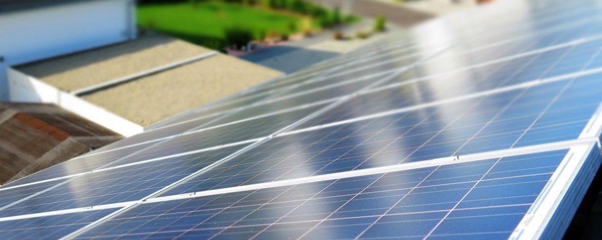 ¿Qué es y cómo funciona un módulo solar?