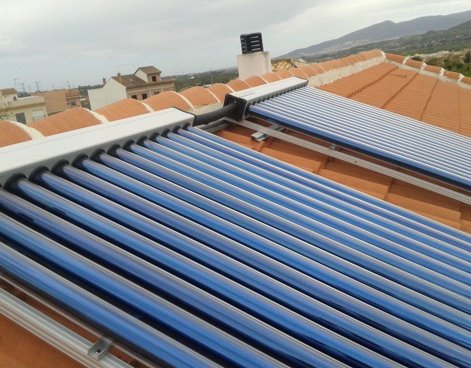 ¿Qué tipo de panel solar térmico podemos elegir?