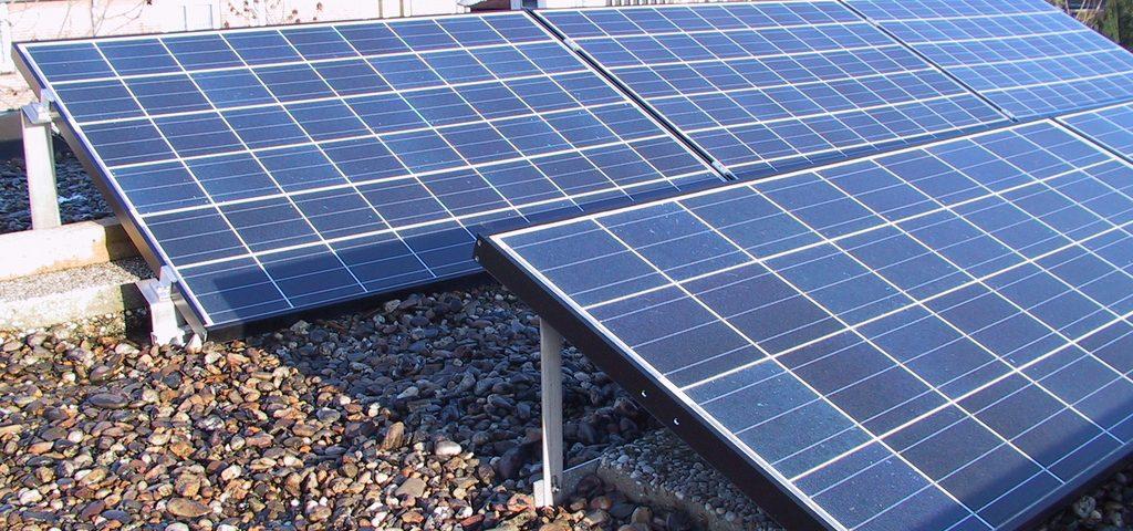 ¿Cuáles son los efectos de la sombra en un panel solar fotovoltaico?